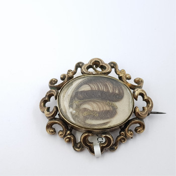 GOLD PLATED ANTIQUE MOURNING BROOCH #32829