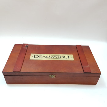 DEADWOOD ULTIMATE DVD BOX COLLECTION & POKER SET #47763