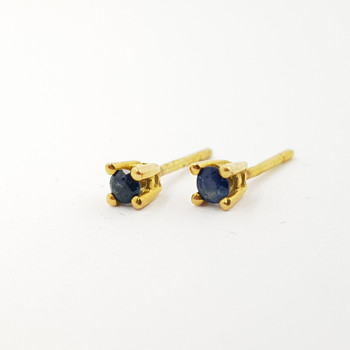 18CT YELLOW GOLD SAPPHIRE STUD EARRINGS #52064