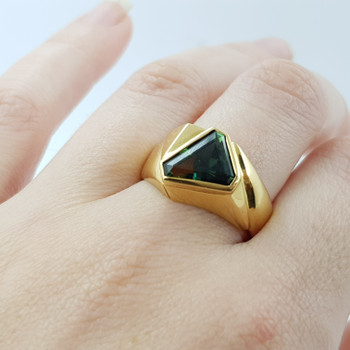 18CT YELLOW GOLD TRIANGULAR PARTI SAPPHIRE RING VAL $4945 SIZE R 1/2 #42479