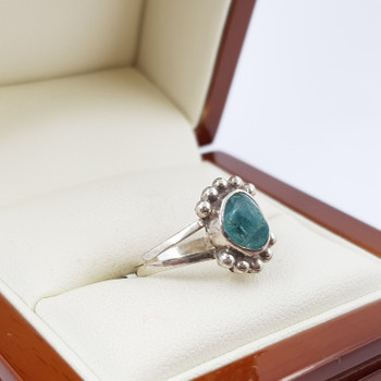 SILVER GREEN STONE RING SIZE K #47862