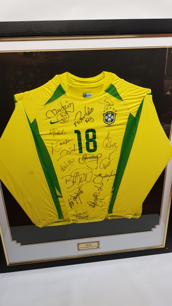 BRAZIL JERSEY NUMBER 18 SIGNED BY BRAZILIAN TEAM 2003 (2002 WORLD CUP TEAM) #45768