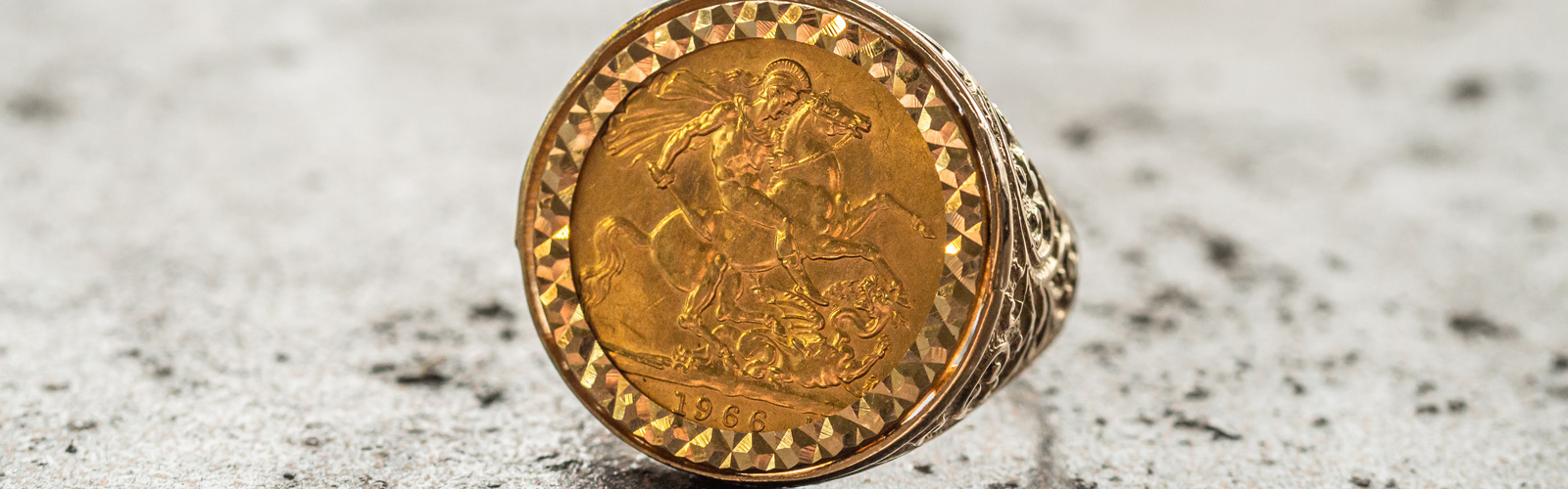 Mens Gold Ring Sovereign Coin