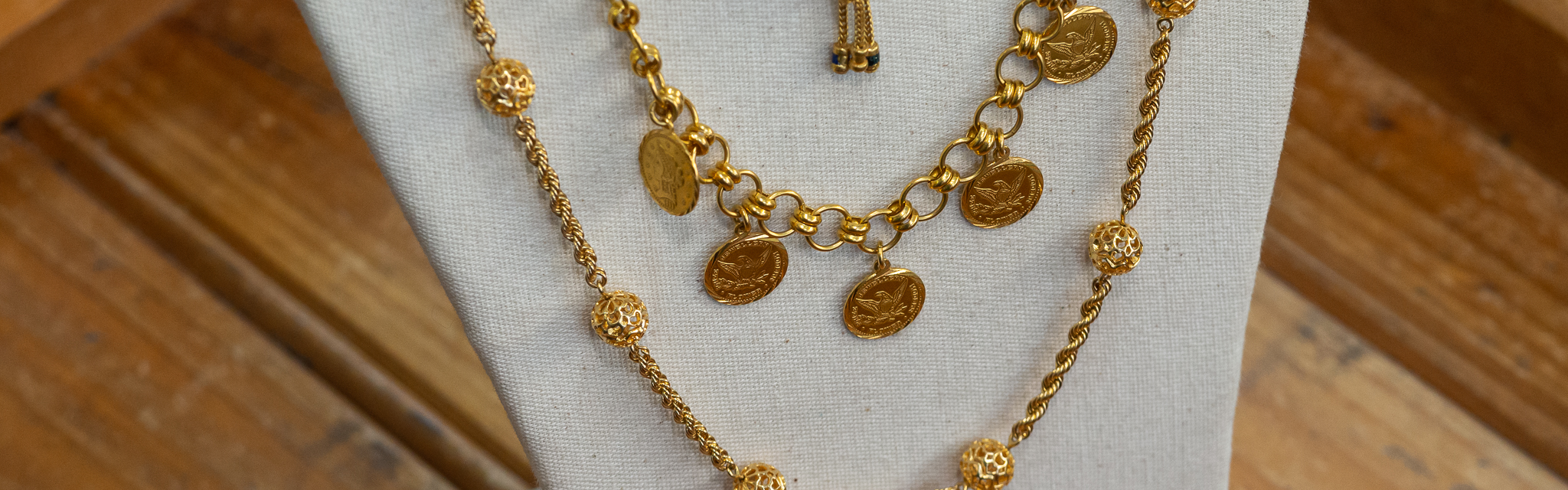 Gold Chains, necklaces and pre-love jewellery - Monty's Pawnbrokers