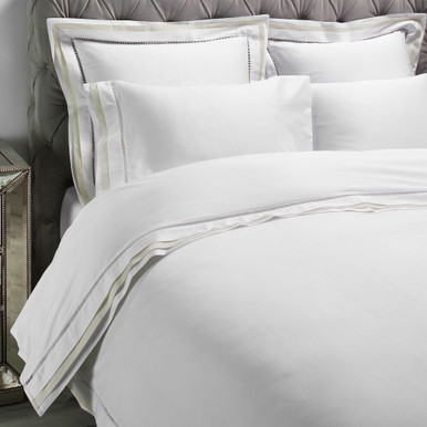 Contrast Boarder Bedding - Ivory