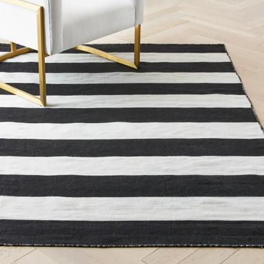 Accra Outdoor Stripe Rug - Black/Ivory