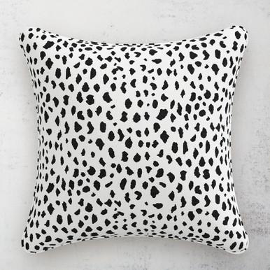 """Dottie Pillow 20"""""""