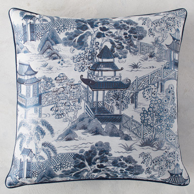 """Annecy Pillow 26"""""""