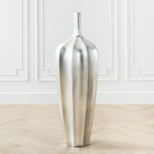 Accolade Vase