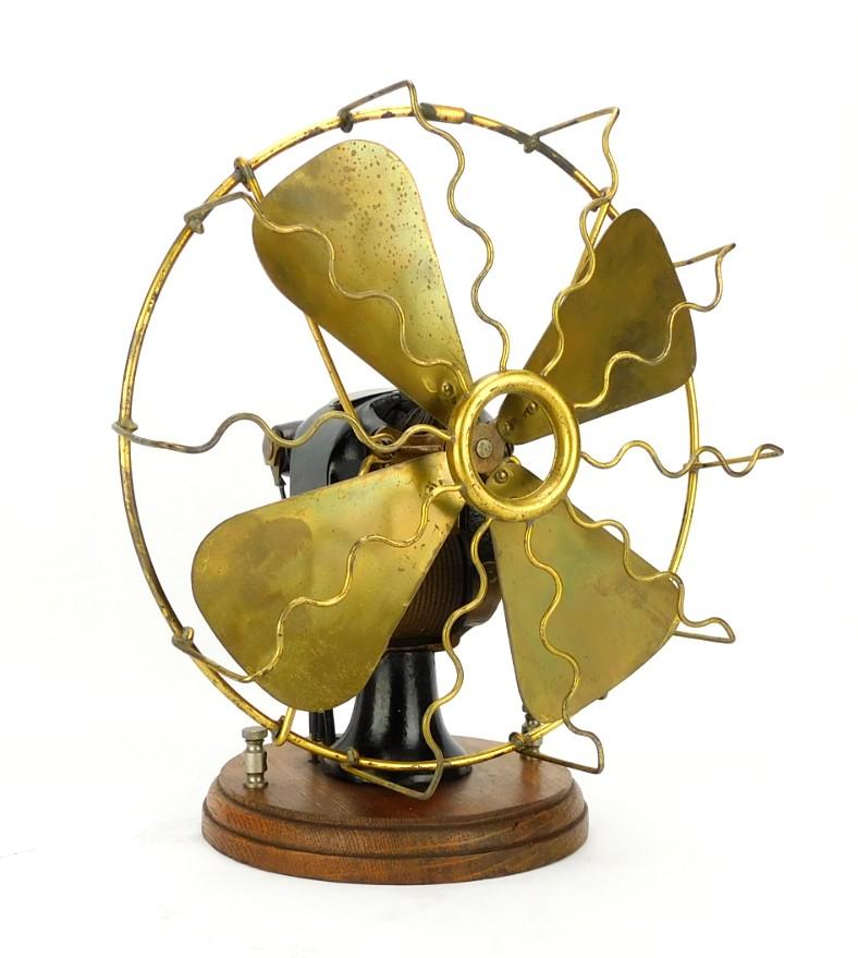 1900 Hirsch Portable Battery Fan