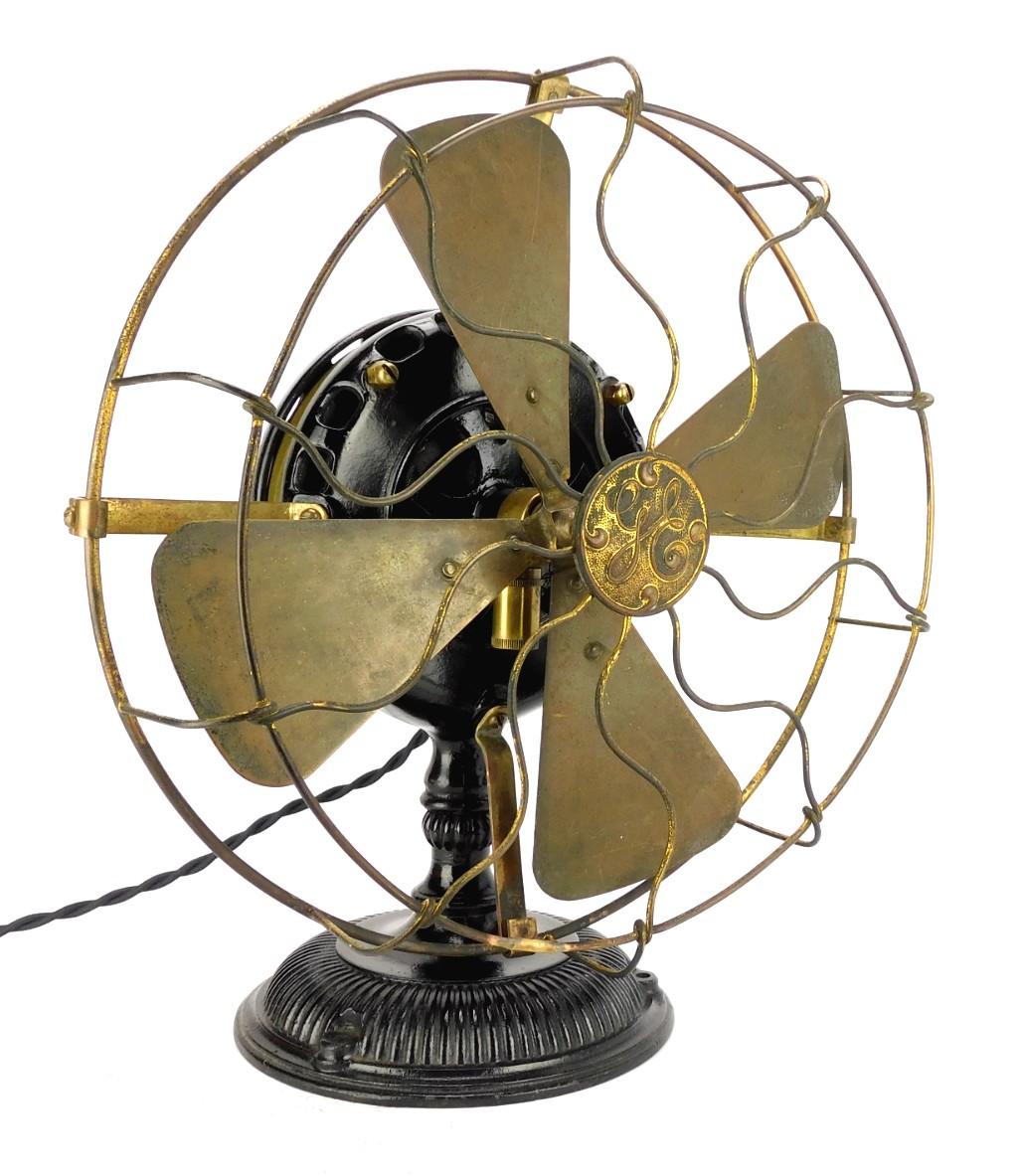"""1901 12"""" GE Pancake Desk Fan"""