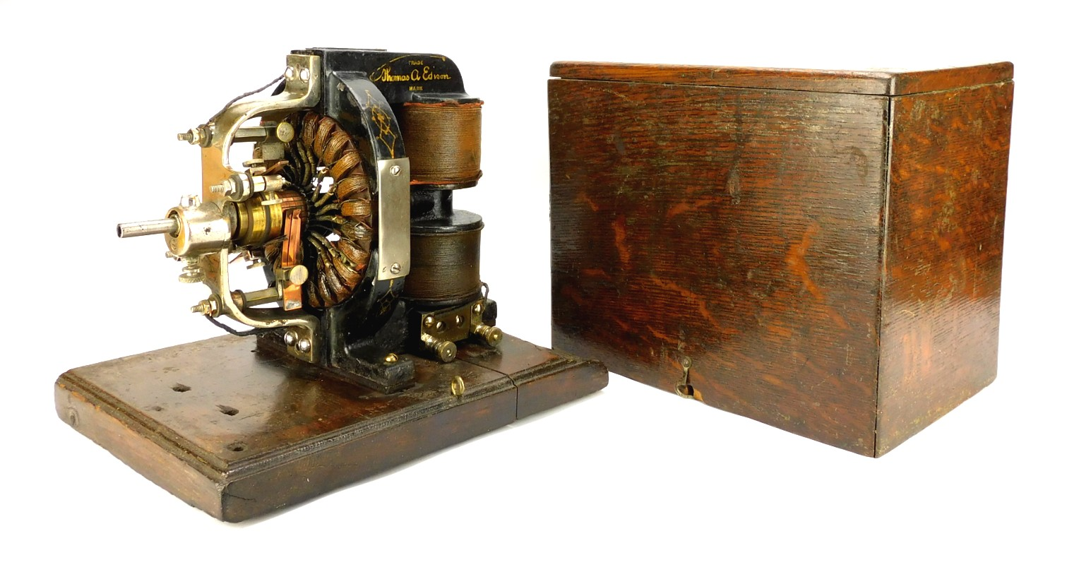 Circa 1897 Edison OO Converter With Original Wood Box