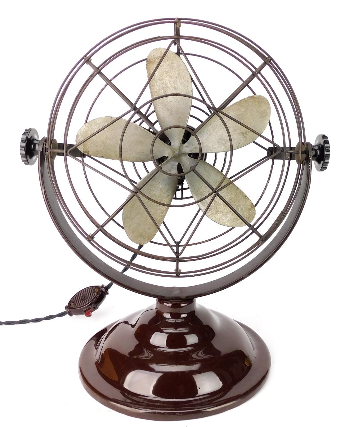 """Circa 1940 10"""" Roto Beam Desk Fan Original Condition"""