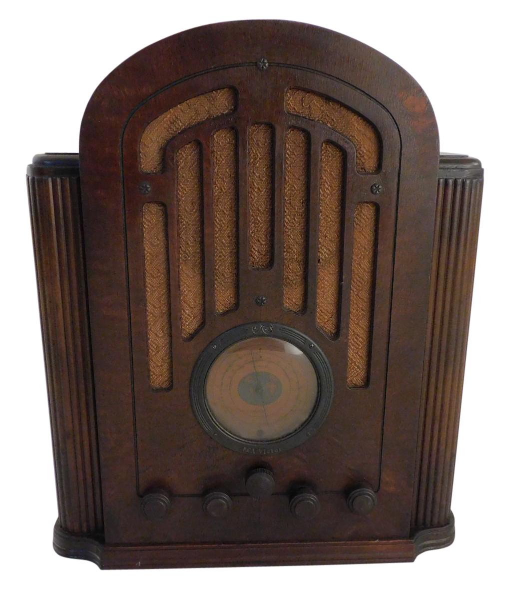 1930's RCA Victor Premium Cathedral Radio