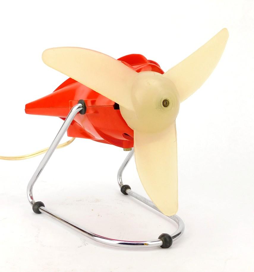 Circa 1960's MABE Italian Designed Oscillating Desk Fan