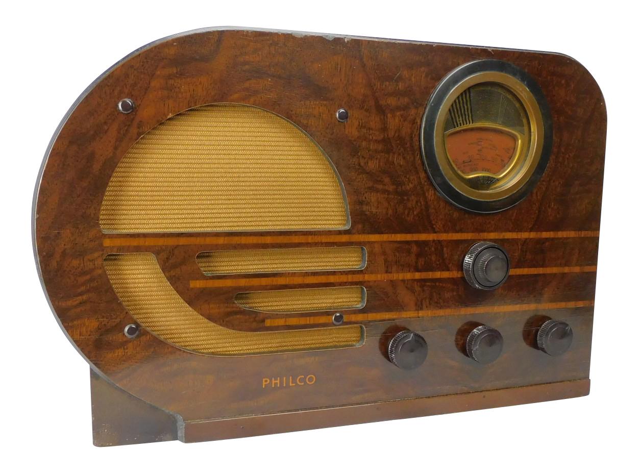 "1940's Philco Model 38-9 5 Tube ""Bull Nose"" Radio"