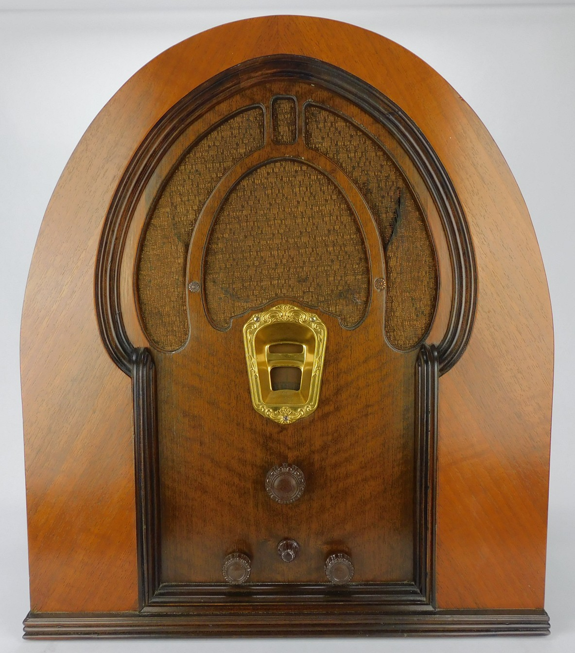 Early 1930's Philco Model 91 Cathedral Radio