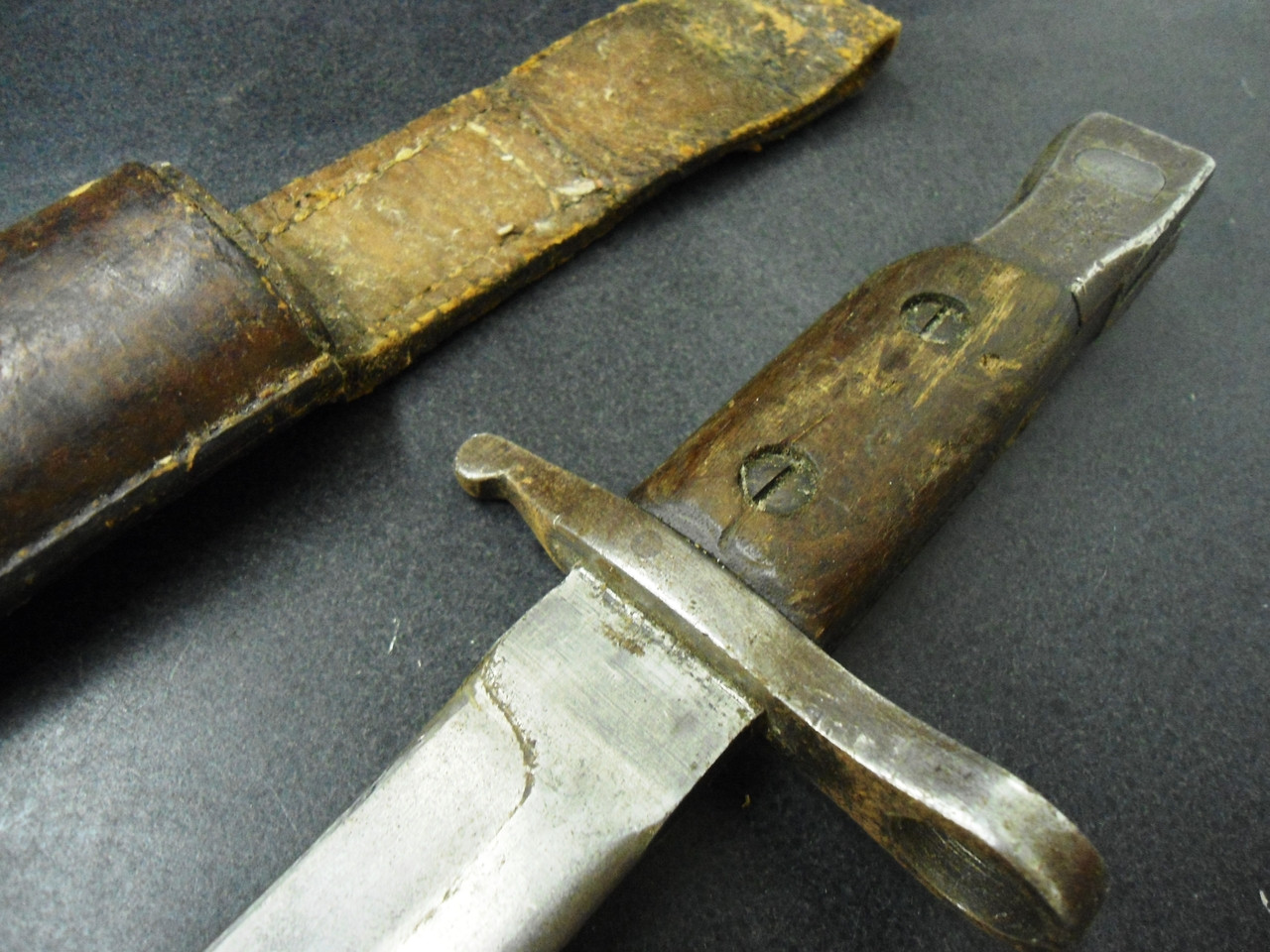 Canadian Ross Rifle M1910 Modified Bayonet with Scabbard