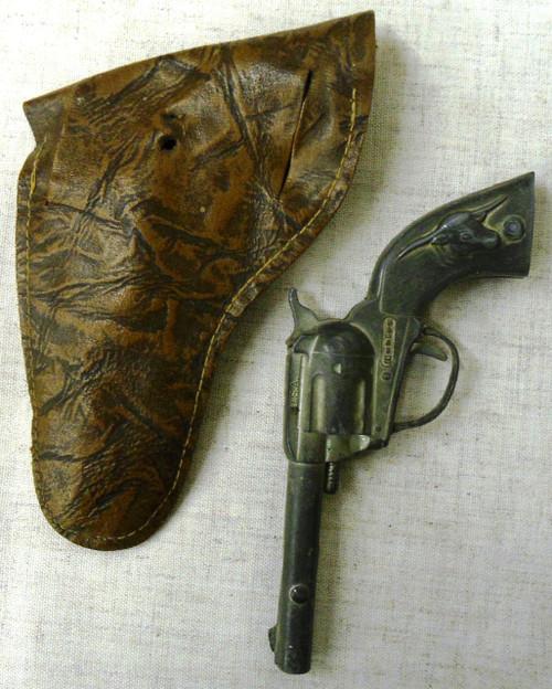 "Hubley ""Tex"" Cast Metal Cap Gun w/Holster"
