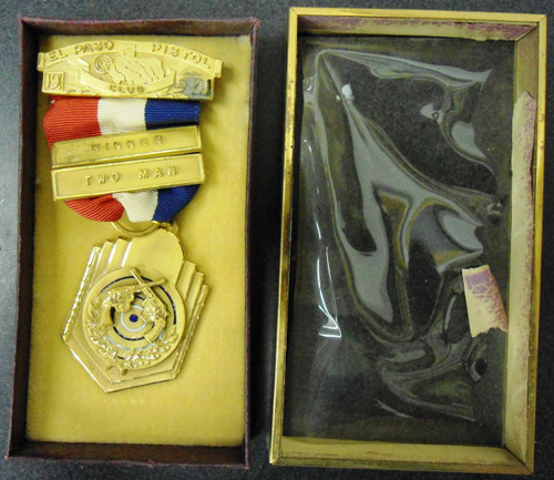 El Paso Pistol Club Winner Two Man 1941 Medal w/Box