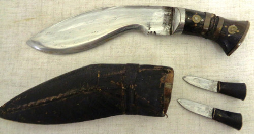 Small India Kukri with Two Skinning Knives and Scabbard