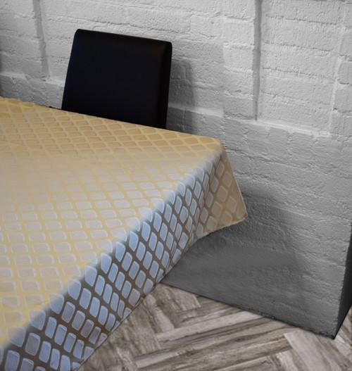 Diamond Perfection Tablecloth-Cream
