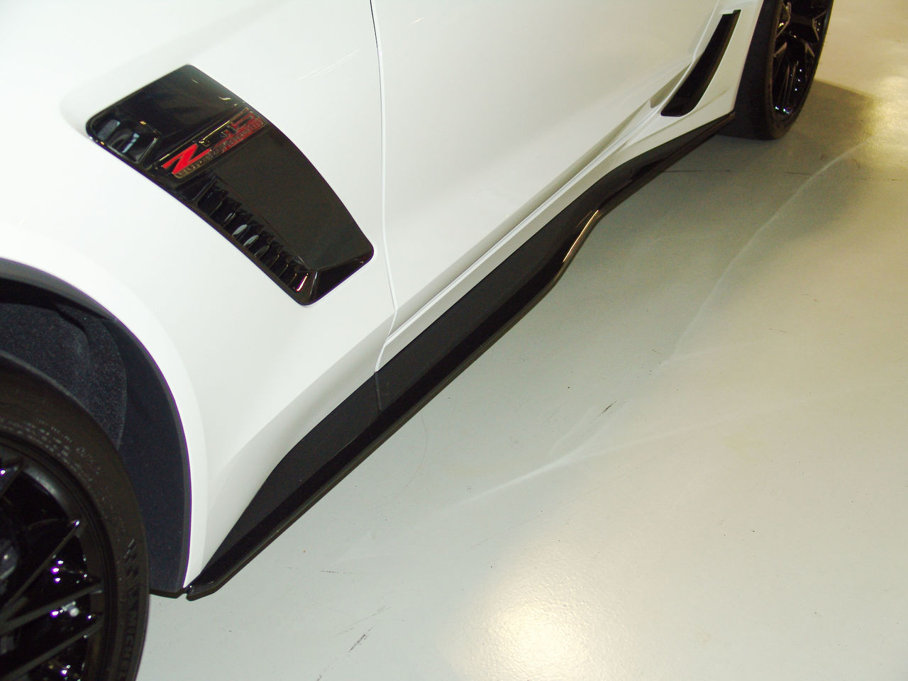 C7 Z06 SIDE SKIRTS CARBON FLASH