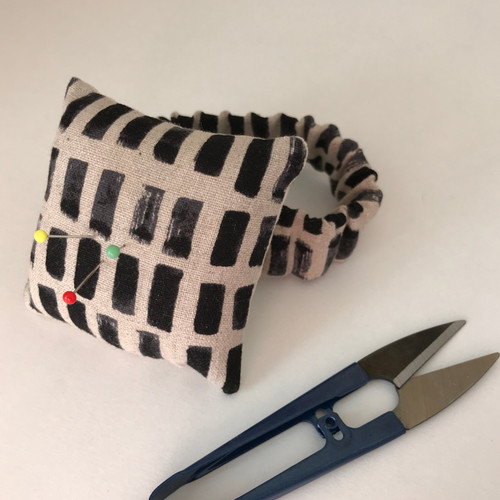 FREE Wrist Pin Cushion Project - The Sewing Cafe