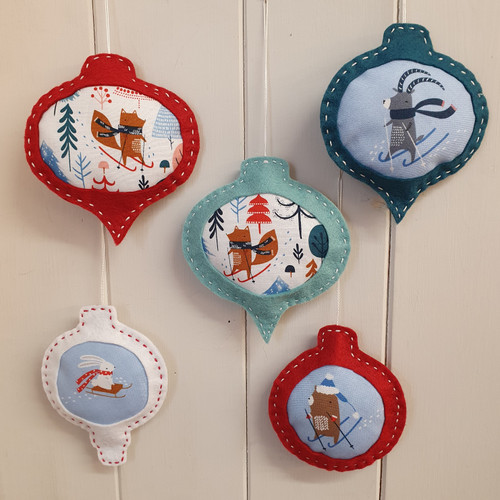 FREE Christmas Felt Bauble Project
