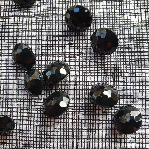 Faceted Shank Button 11m in Black