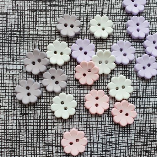 Italian Flower Buttons 15mm