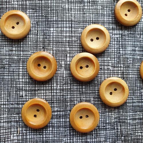 Wedge Rim Wood Button 23mm