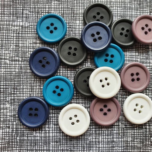 Italian 4-hole Buttons 23mm