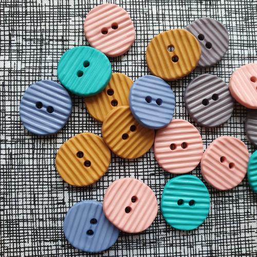 Textured Stripe Italian Buttons 20mm