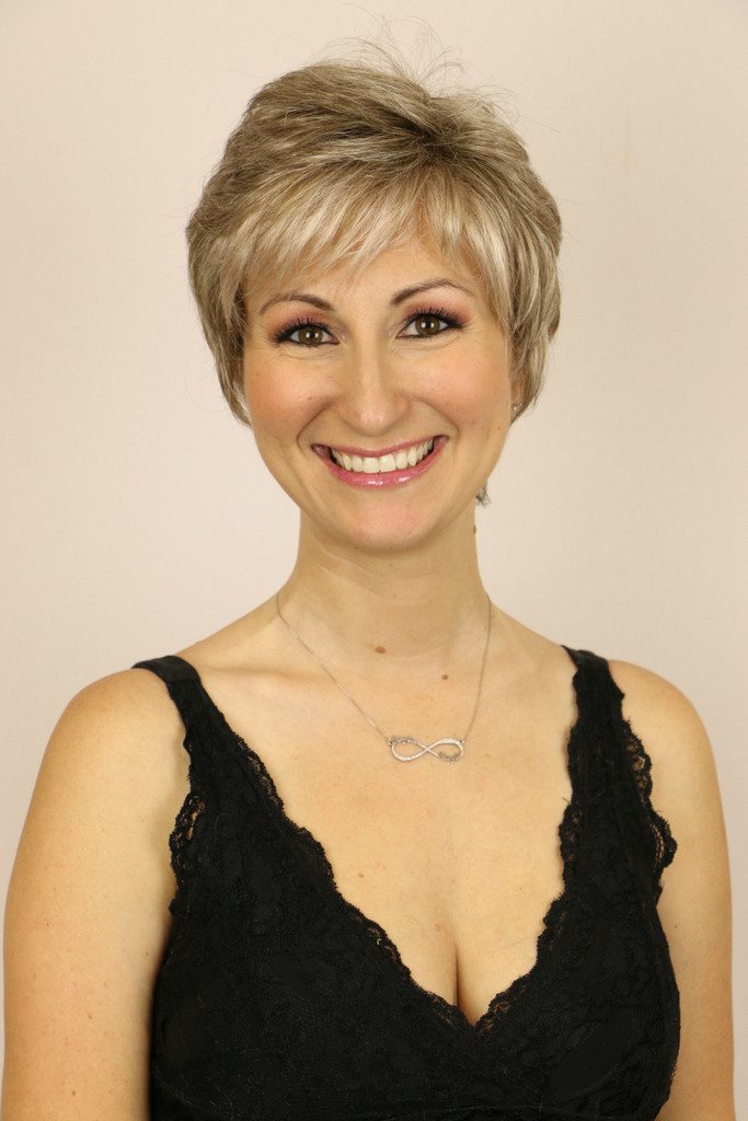 Frosted Taupe / Quinn / Short Wig