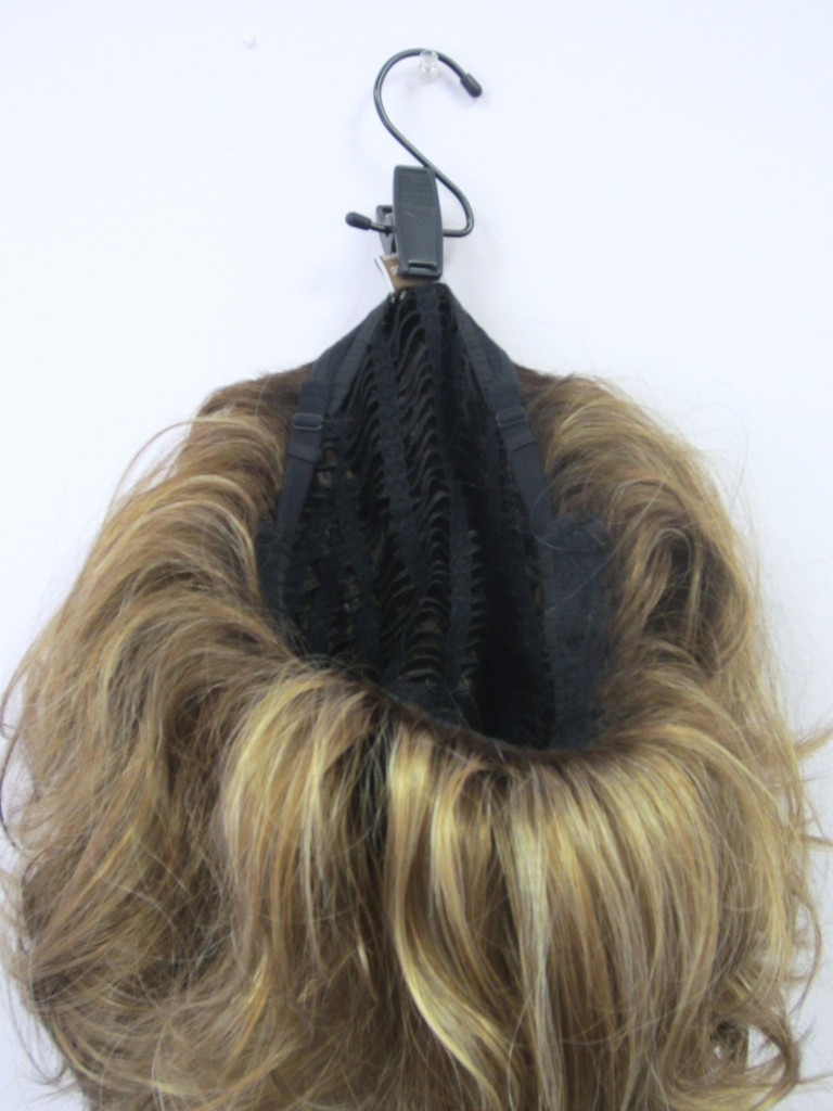 Hanging a wig by the tag
