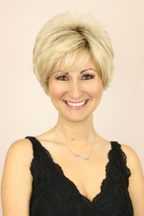 Champagne-R Color / Cristi w/ Roots / Short Wig