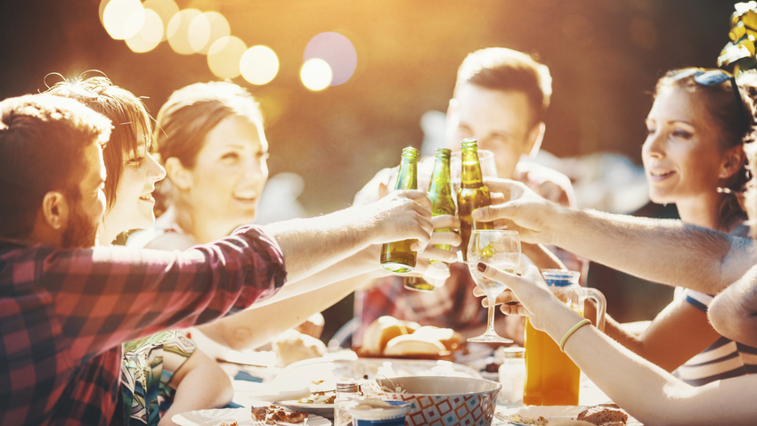 How to Plan A Backyard Party