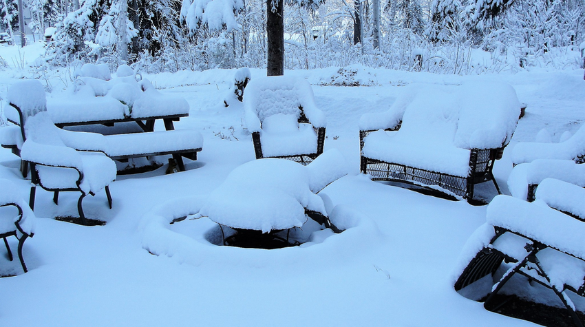​5 Ways to Winterize your Backyard