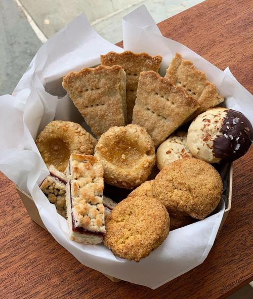 Preorder! Thanksgiving Cookie Tin