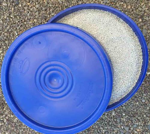 Bentonite pond clay in 5 gallon pail