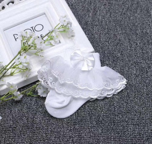 Meghan White Lace Bow Frill Socks