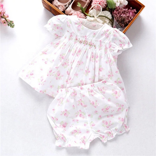 Baby spring outfits