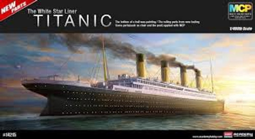 "Academy #14215 1/400 ""Titanic"" Multi Coloured Parts"