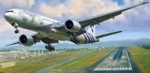 Zvezda #7012 Boeing  1/144 777-300 Civil Airliner