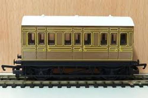 Hornby #R4674 4 Wheel Coach LNER