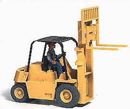 Classic Mini Metals #20247 HO 1950-1960s Forklift with Pallets