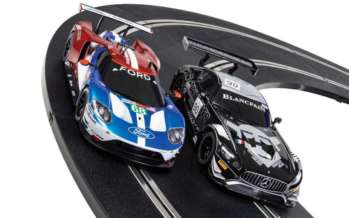 Scalextric #C1403 WORLD GT (Ford GT GTE V Mercedes AMG GT3)