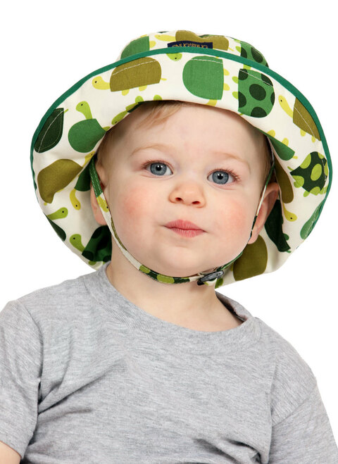 In No Hurry Adjustable Sun Hat || John, 19 months is wearing size 0-2 yrs