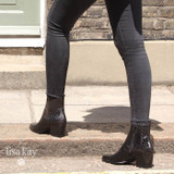 How to Wear Black Leather Boots